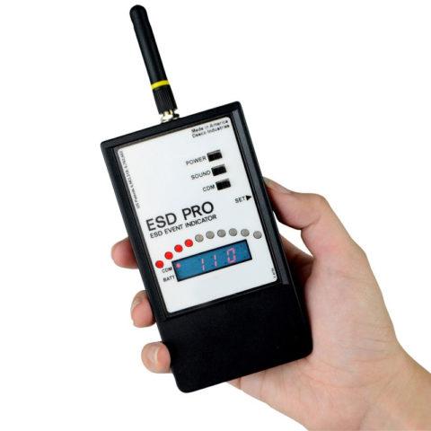 Detector de descargas con indicador